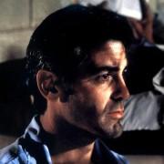 George Clooney - galeria zdjęć - Zdjęcie nr. 8 z filmu: Co z oczu, to z serca