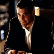 George Clooney - galeria zdjęć - Zdjęcie nr. 1 z filmu: Co z oczu, to z serca