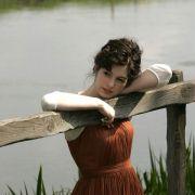 Anne Hathaway - galeria zdjęć - Zdjęcie nr. 3 z filmu: Zakochana Jane