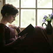 Anne Hathaway - galeria zdjęć - Zdjęcie nr. 14 z filmu: Zakochana Jane