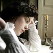 Anne Hathaway - galeria zdjęć - Zdjęcie nr. 17 z filmu: Zakochana Jane