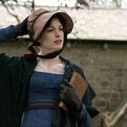 Anne Hathaway - galeria zdjęć - Zdjęcie nr. 28 z filmu: Zakochana Jane