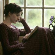 Anne Hathaway - galeria zdjęć - Zdjęcie nr. 37 z filmu: Zakochana Jane