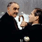 Ralph Fiennes - galeria zdjęć - Zdjęcie nr. 2 z filmu: Rewolwer i melonik