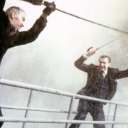 Ralph Fiennes - galeria zdjęć - Zdjęcie nr. 12 z filmu: Rewolwer i melonik