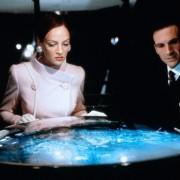 Ralph Fiennes - galeria zdjęć - Zdjęcie nr. 14 z filmu: Rewolwer i melonik