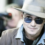 Johnny Depp - galeria zdjęć - Zdjęcie nr. 16 z filmu: Life's Too Short