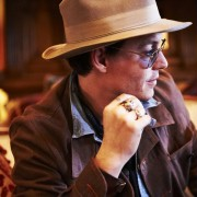 Johnny Depp - galeria zdjęć - Zdjęcie nr. 15 z filmu: Life's Too Short