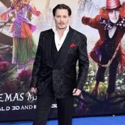 Johnny Depp - galeria zdjęć - Zdjęcie nr. 2 z filmu: Alicja po drugiej stronie lustra