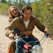Jeremy Irvine - galeria zdjęć - Zdjęcie nr. 2 z filmu: Mamma Mia! Here We Go Again
