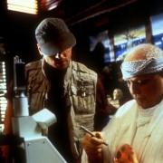 Marlon Brando - galeria zdjęć - Zdjęcie nr. 6 z filmu: Wyspa doktora Moreau