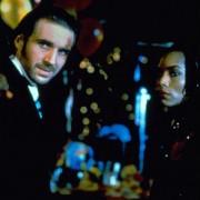 Ralph Fiennes - galeria zdjęć - Zdjęcie nr. 8 z filmu: Dziwne dni