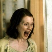 Julianne Moore - galeria zdjęć - Zdjęcie nr. 4 z filmu: Kto zabił ciotkę Cookie?