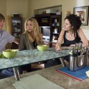 Mary-Kate Olsen - galeria zdjęć - Zdjęcie nr. 3 z filmu: Trawka
