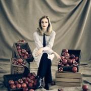 Caitlin Fitzgerald - galeria zdjęć - Zdjęcie nr. 11 z filmu: Sweetbitter