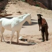 Johnny Depp - galeria zdjęć - Zdjęcie nr. 6 z filmu: Jeździec znikąd