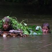 Christian Bale - galeria zdjęć - Zdjęcie nr. 13 z filmu: Operacja Świt