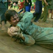 Christian Bale - galeria zdjęć - Zdjęcie nr. 4 z filmu: Operacja Świt
