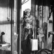 Marlon Brando - galeria zdjęć - Zdjęcie nr. 22 z filmu: Tramwaj zwany pożądaniem