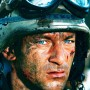 Kapitan Mike Steele - Jason Isaacs
