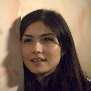 Daniella Pineda - galeria zdjęć - filmweb
