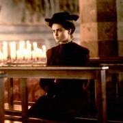Helena Bonham Carter - galeria zdjęć - Zdjęcie nr. 2 z filmu: Tam, gdzie nie chadzają anioły