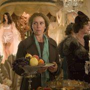 Frances McDormand - galeria zdjęć - Zdjęcie nr. 17 z filmu: Niezwykły dzień Panny Pettigrew