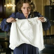 Frances McDormand - galeria zdjęć - Zdjęcie nr. 19 z filmu: Niezwykły dzień Panny Pettigrew