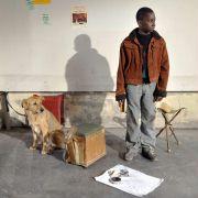 Blondin Miguel - galeria zdjęć - Zdjęcie nr. 7 z filmu: Człowiek z Hawru