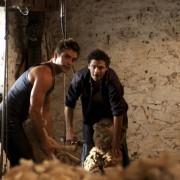 Dustin Clare - galeria zdjęć - Zdjęcie nr. 9 z filmu: Córki McLeoda