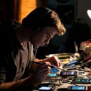 Liam Hemsworth - galeria zdjęć - Zdjęcie nr. 5 z filmu: Paranoja