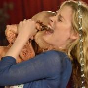 Gillian Jacobs - galeria zdjęć - Zdjęcie nr. 3 z filmu: Bad Milo!