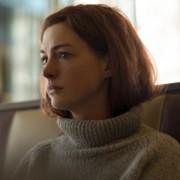 Anne Hathaway - galeria zdjęć - Zdjęcie nr. 1 z filmu: Nowoczesna miłość