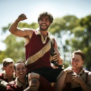 Liam Hemsworth - galeria zdjęć - Zdjęcie nr. 3 z filmu: Projektantka