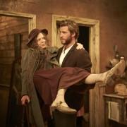 Liam Hemsworth - galeria zdjęć - Zdjęcie nr. 12 z filmu: Projektantka