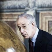 Toni Servillo - galeria zdjęć - Zdjęcie nr. 5 z filmu: Viva la libertà