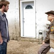 Liam Hemsworth - galeria zdjęć - Zdjęcie nr. 6 z filmu: Miasteczko Cut Bank