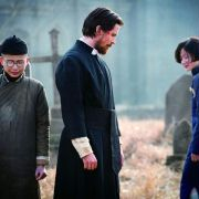 Christian Bale - galeria zdjęć - Zdjęcie nr. 11 z filmu: Kwiaty wojny