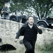 Zbigniew Zamachowski - galeria zdjęć - Zdjęcie nr. 1 z filmu: Biegnij, chłopcze, biegnij