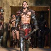 Dustin Clare - galeria zdjęć - Zdjęcie nr. 2 z filmu: Spartakus: Zemsta