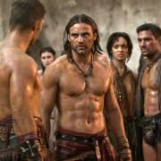 Dustin Clare - galeria zdjęć - Zdjęcie nr. 7 z filmu: Spartakus: Zemsta