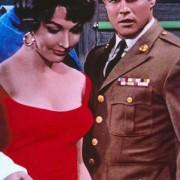 Marlon Brando - galeria zdjęć - Zdjęcie nr. 16 z filmu: Opowieść do poduszki