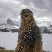Joonas Suotamo - galeria zdjęć - Zdjęcie nr. 1 z filmu: Han Solo: Gwiezdne wojny - historie