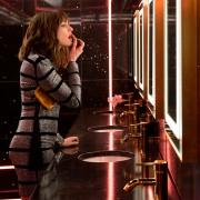 Anne Hathaway - galeria zdjęć - Zdjęcie nr. 3 z filmu: Oszustki