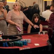 Anne Hathaway - galeria zdjęć - Zdjęcie nr. 9 z filmu: Oszustki