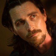 Christian Bale - galeria zdjęć - Zdjęcie nr. 1 z filmu: Zrodzony w ogniu
