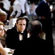 Marlon Brando - galeria zdjęć - Zdjęcie nr. 7 z filmu: Obława