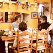 Kristin Scott Thomas - galeria zdjęć - Zdjęcie nr. 14 z filmu: Wszystko zostaje w rodzinie