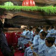 Tim Burton - galeria zdjęć - Zdjęcie nr. 1 z filmu: Charlie i fabryka czekolady