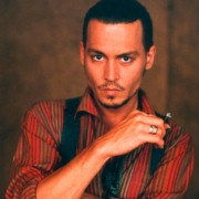 Johnny Depp - galeria zdjęć - Zdjęcie nr. 2 z filmu: Czekolada